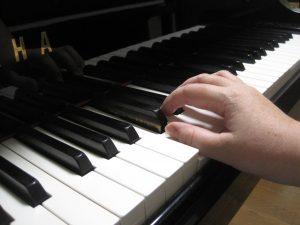 ピアノの1の指の悪い角度