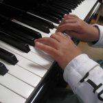 ピアノ音階の指くぐり
