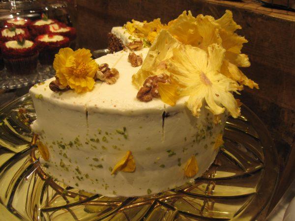青山 FRNZE&EVANSお花のケーキ