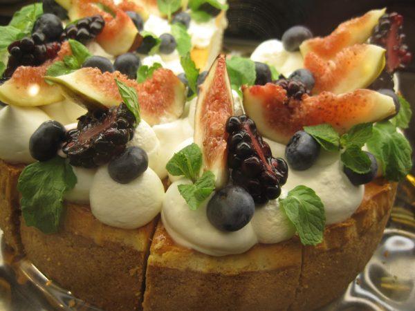 青山 FRNZE&EVANSいちじくのケーキ