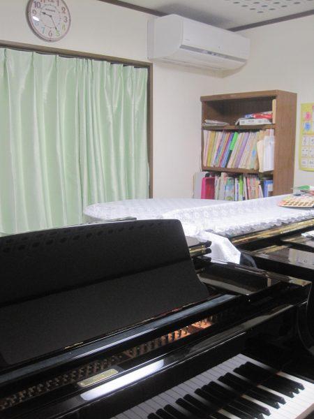 グランドピアノのカーブを生かして