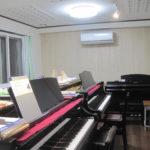 グランドピアノ2台